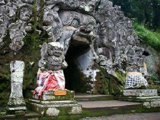 goa-gajah-temple-elephant-cave-temple